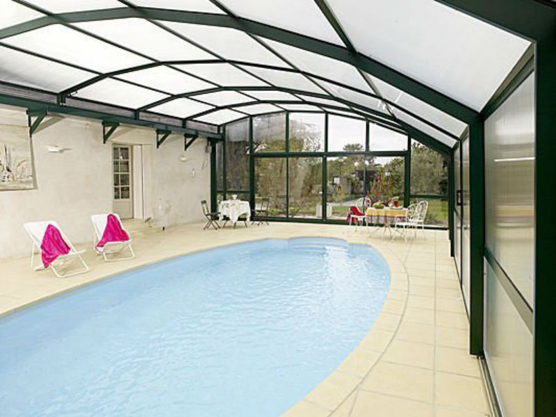 high-pool-enclosure-with-lateral-opening-26341