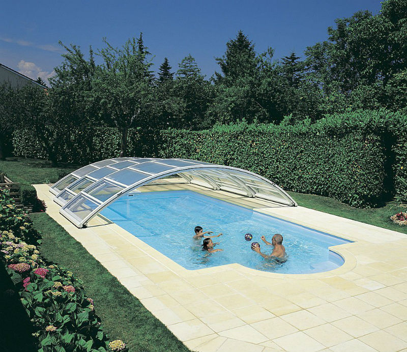 low-pool-enclosure-with-up-and-over-front-13555